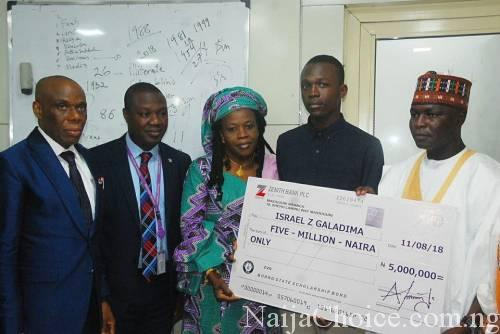 Student Who Scored 364 In JAMB, 9 Distinctions In WAEC Presented With N5m Cash (Photo)