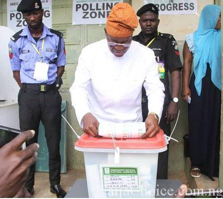#OsunDecides2018: Massive Turnout In Iragbiji As Oyetola Votes
