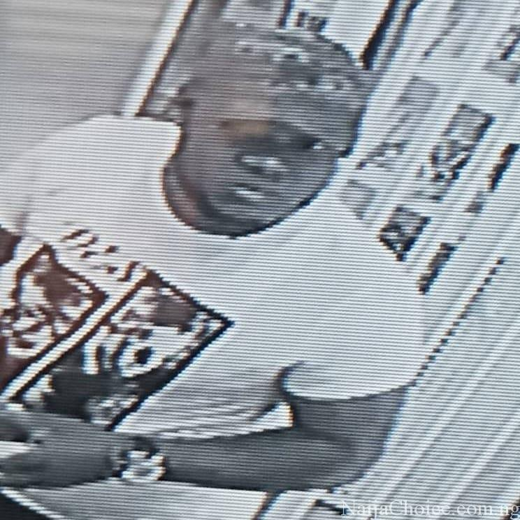 Man Caught On CCTV Using Fake Notes To Buy N120k Worth Of Goods [photo + Video]