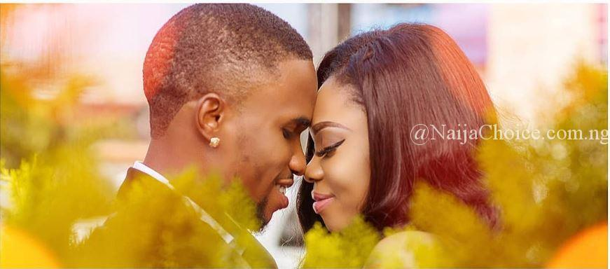 Man Kisses His Fiancee In Beautiful Pre-Wedding Photos