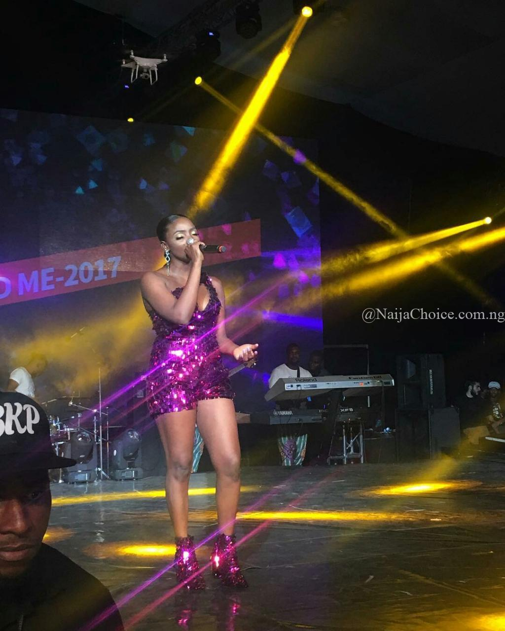 """Simi apologizes to Fans over Lateness & Disorganization of her """"Live in Lagos"""" Concert"""