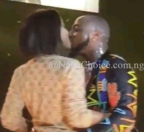Davido Kisses Chioma In Front Of Massive Crowd At His London Concert (Photos+Videos)
