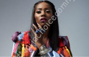 Drama As Fan Wrestles Tiwa Savage To The Ground || Watch Video